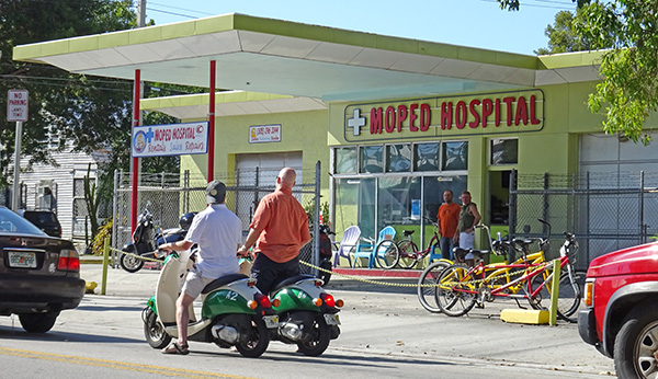 Moped-Hospital